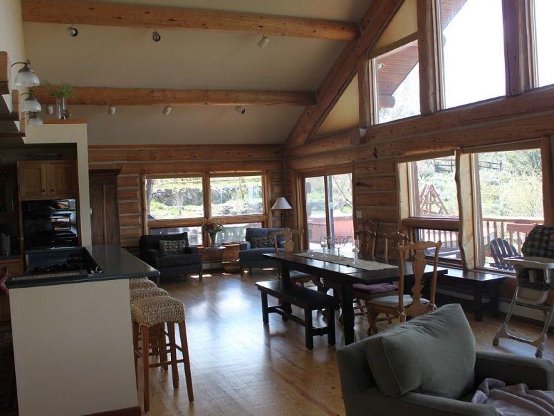 Peaceful, Bathed In Sunlight, Awesome Views, Convenient Location!, location de vacances à Carbondale