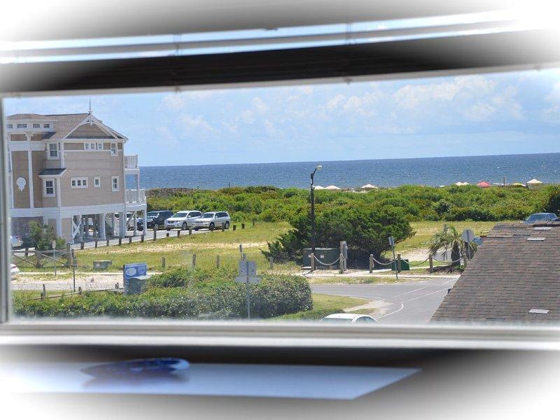 On Sunset Beach Island 1 Bedroom Condo sleeps 4 Water view! Unit 1, vacation rental in Sunset Beach