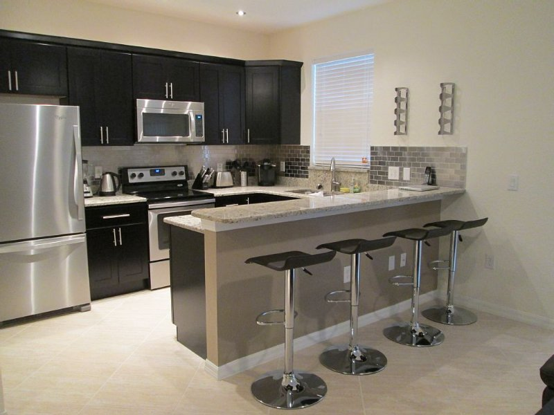 Platinum Elite,free Wi-fi, Long-distance, 8 Doors From Clubhouse & All Amenities, holiday rental in Davenport