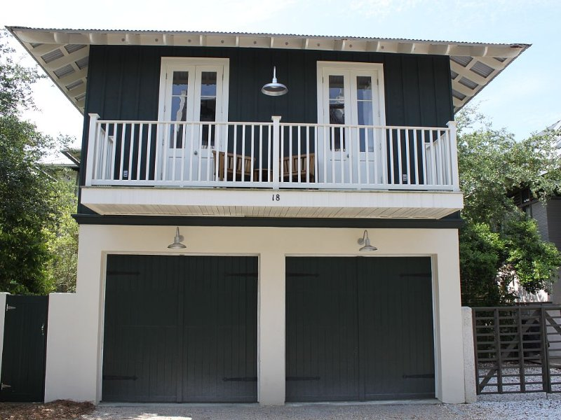Big Deals, See Description! Gulf Side, Quiet/Cozy, casa vacanza a Rosemary Beach