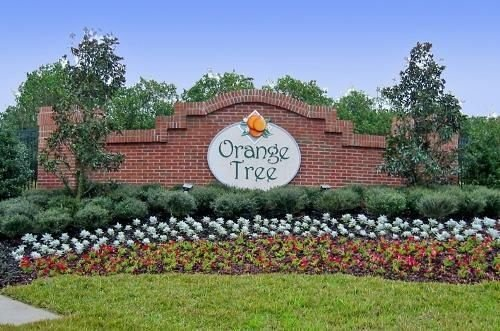 Entrance to Orange Tree Villa neighborhood