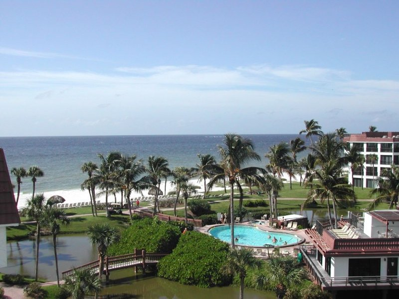 Luxury Penthouse Pointe Santo Condo with Private Roof Deck -- 30% off thru Dec!, vacation rental in Sanibel Island