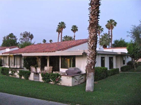 Luxury Golf Course 3 Bedroom Condo in Rancho Las Palmas Resort, alquiler de vacaciones en Rancho Mirage