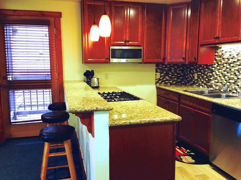 Newly Remodeled Ski In/out Condo At Northstar Resort, holiday rental in Truckee