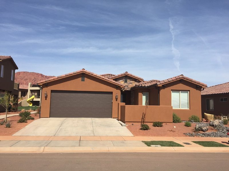 **Pools OPEN!** Vacation Home: 3 Bd + Best Pools/Park/Trails/SnowCanyon, vacation rental in Santa Clara