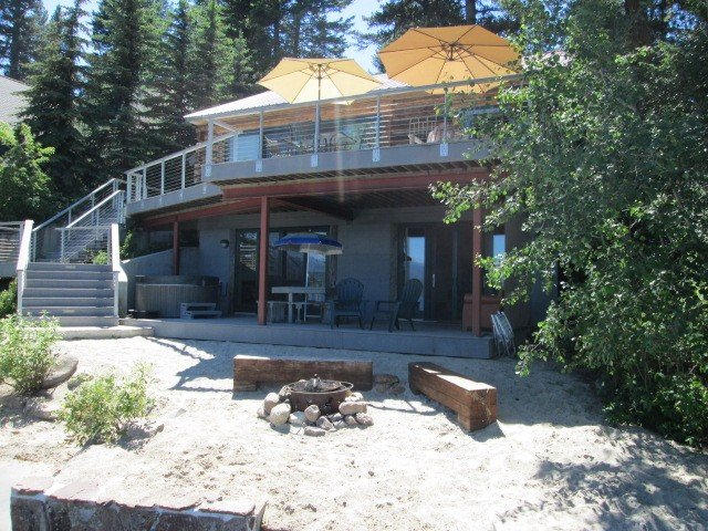 Lakefront House with Private Beach, Dock, Hot Tub, 'Boat House', location de vacances à McCall