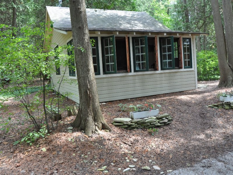 Two Person Efficiency Cottage on Green Bay, location de vacances à Door County