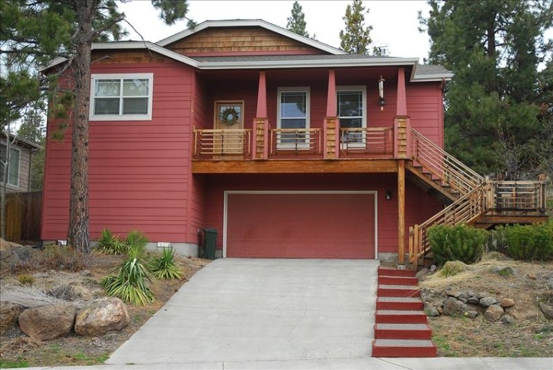 Bend Westside Home,Close to Downtown, Park, Mt Bachelor,Trails, holiday rental in Tumalo