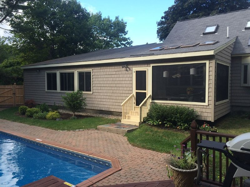 Strategically Perfect  As Home Base!, holiday rental in Westbrook