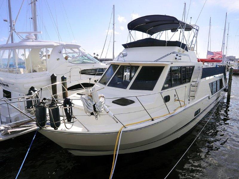 Stunning 52 Foot Yacht Located At Regatta Pointe Marina On The Manatee River, alquiler de vacaciones en Terra Ceia