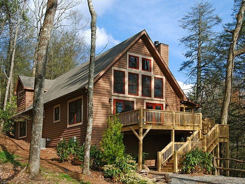 Creekview Cabin - Bright, Airy, Peaceful, modern (built 2008), location de vacances à Highlands