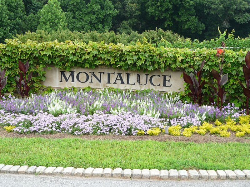 Montaluce entrance