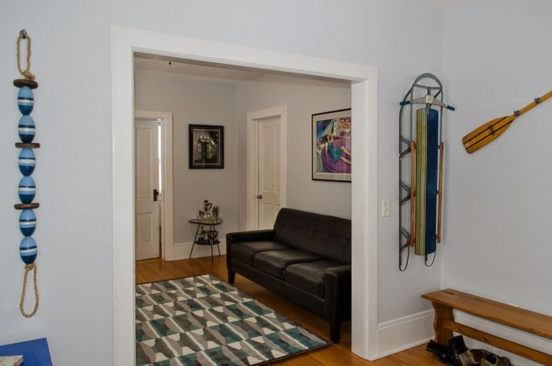 Contemporary Two Bedroom Charmer Close to Downtown and Beachfront, vacation rental in Marquette