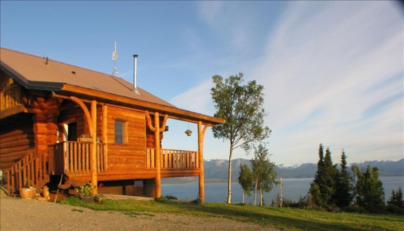 Eagles Rest on Kilcher Family Homestead in Alaska the Last Frontier Kachemak Bay, location de vacances à Fritz Creek