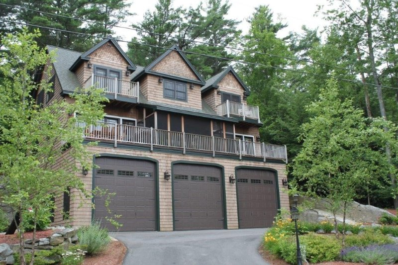 Luxury Adirondack Lakeview, vacation rental in Gilford