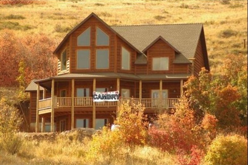 Beautiful cabin with great amenities, newly completed in 2011 and ready to book