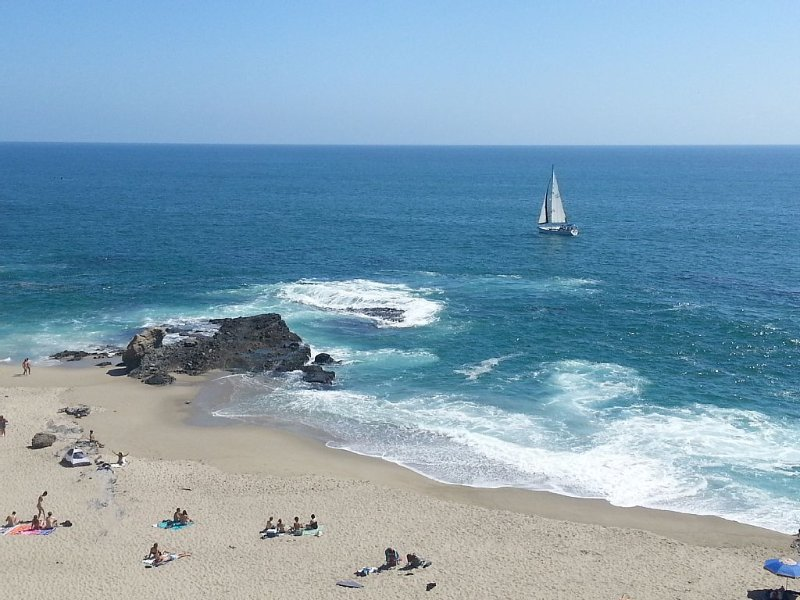 California Dreaming ...your own steps to the beach with  gas fire pit, vacation rental in Laguna Beach