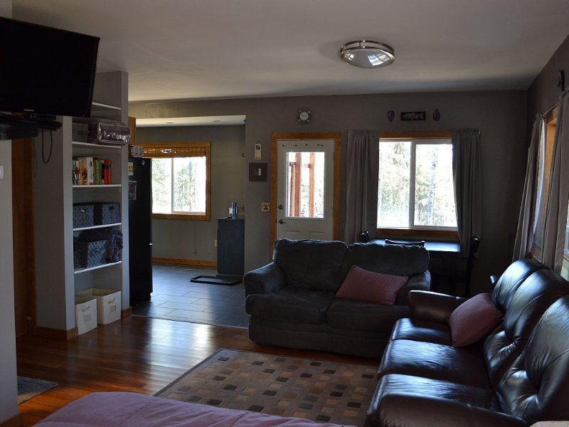 FALL/WINTER SPECIAL 100$ NIGHTLY NO CLEANING FEE!, holiday rental in Soldotna