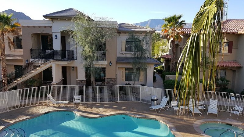 Embassy Voted #1 Finest Most Upgraded  Pool-Mountain View, holiday rental in La Quinta