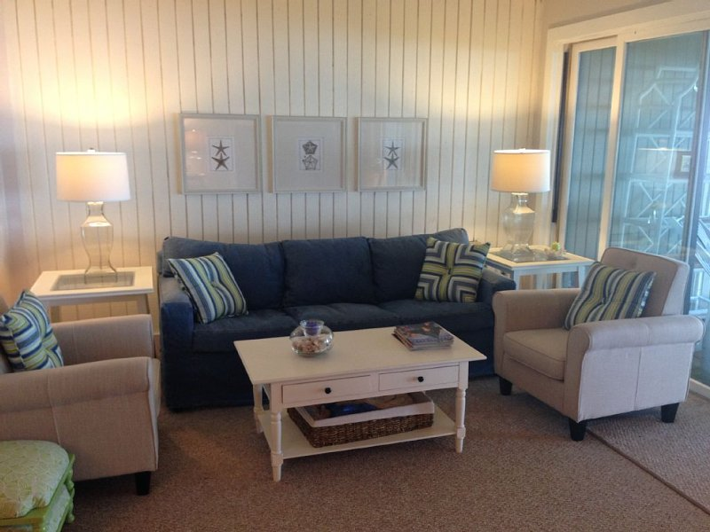 Just Listed:  Izaty's Beach Villa With Pottery Barn Inspired Updates, holiday rental in Vineland