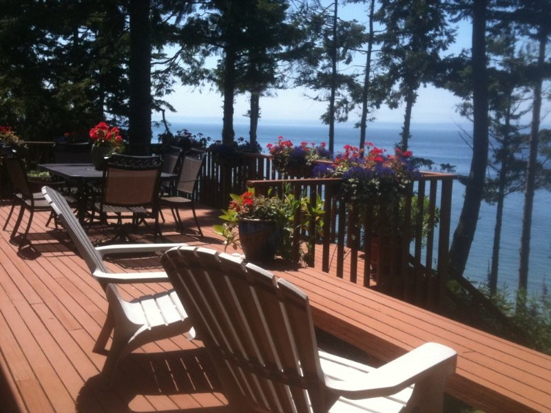 Immaculate Waterfront Home, Great View & Sunsets!, alquiler vacacional en Coupeville