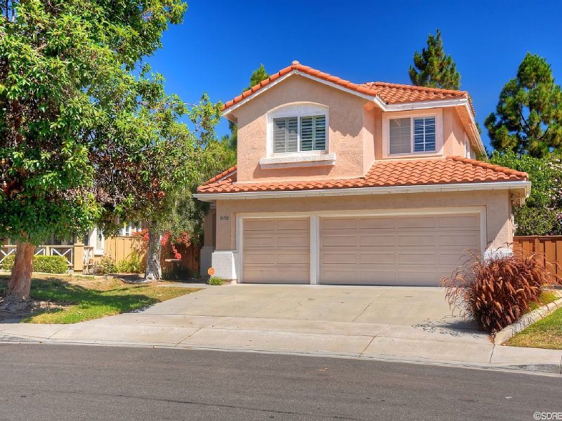 Beautiful 4 Bedroom Home In San Diego, Central call with dates **********, vacation rental in La Jolla