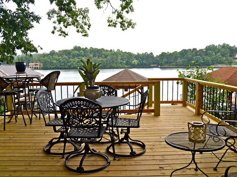 Relax and have fun in this beautiful Lake Hamilton Home, holiday rental in Pearcy