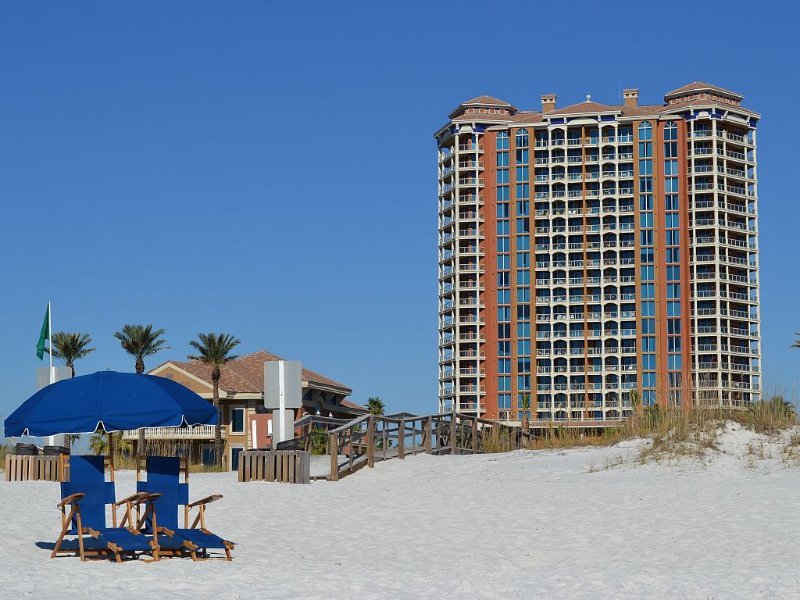 Portofino Paradise. 2bd/2.5ba - Luxury Condo.  Unobstructed Gulf views.  T5, holiday rental in Pensacola Beach