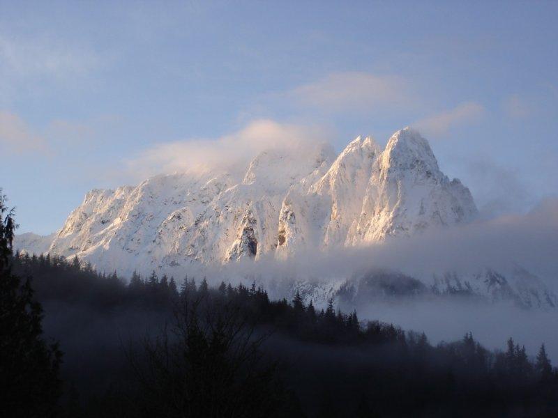 Beautiful Riverfront Getaway In The Cascade Mountains, casa vacanza a Baring