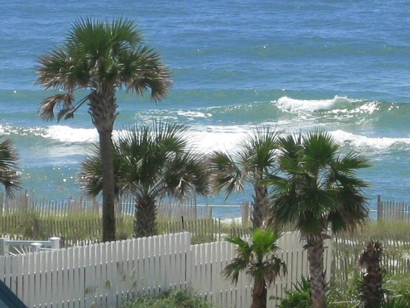 Serenity, Sunshine & Sugar White Sand Awaits you/Pool/Jacuzzi/Free WiFi, Parking, holiday rental in Perdido Key