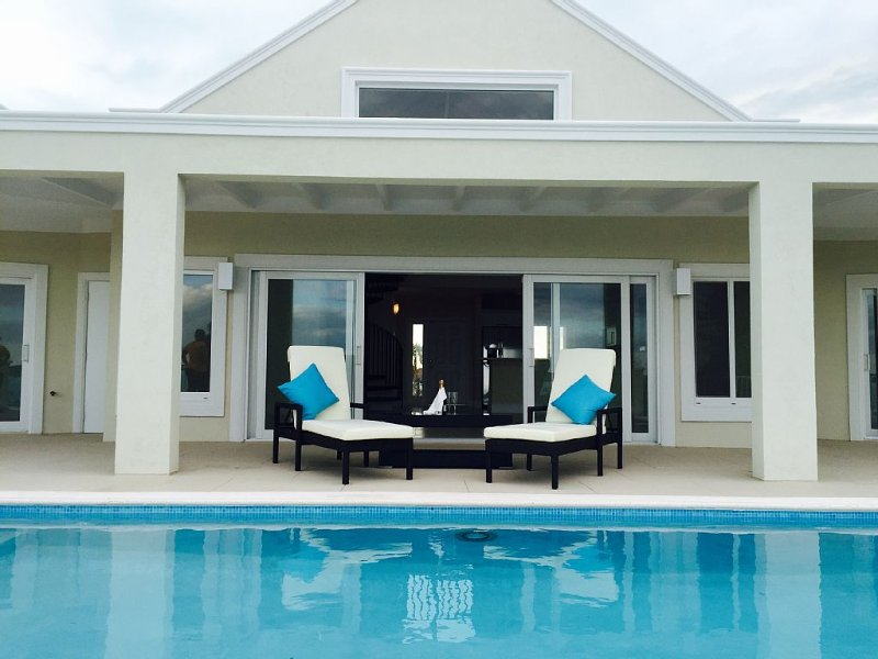 New property. Pool overlooking magnificent panoramic creek views., vacation rental in Providenciales