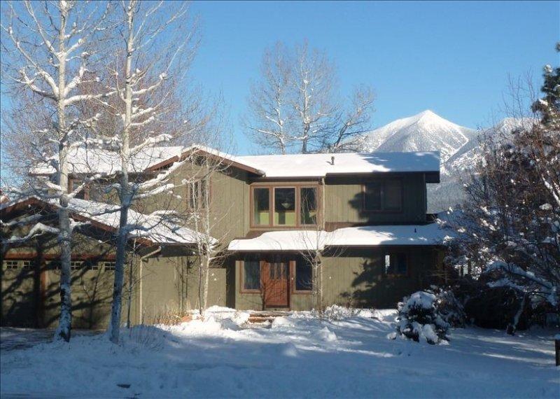 Flagstaff Peak View Rental- 4 Bedroom House with Amazing Views, alquiler de vacaciones en Bellemont