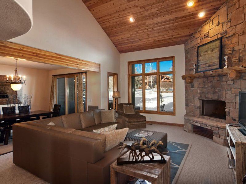 Wow!  3100 Sq Ft 4 BR 4 Bath Townhome with Private Hot Tub, vacation rental in Park City