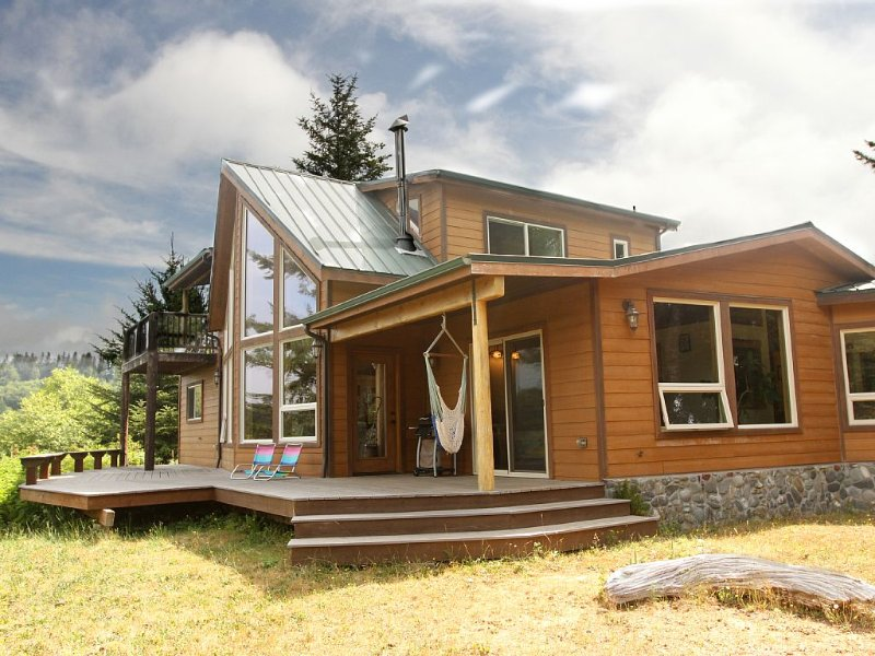 Custom Cabin In The Woods, vacation rental in Brookings