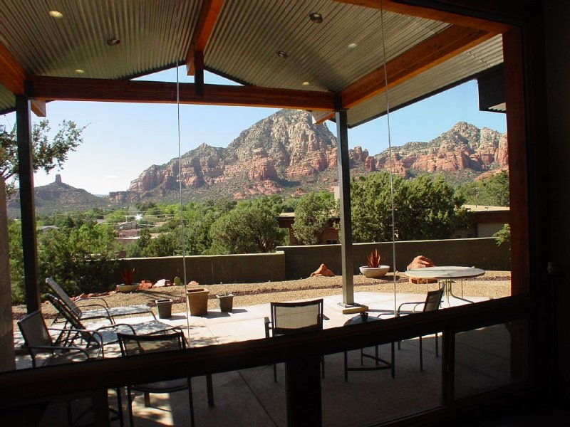 Beauty And The Beast! Georgous Home Overlooking Thunder Mountain, vacation rental in Sedona