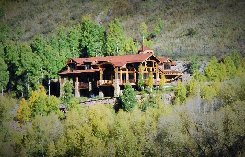 Stunning Mountain Home-Ready for Festivals & Family Gatherings!, Ferienwohnung in Telluride