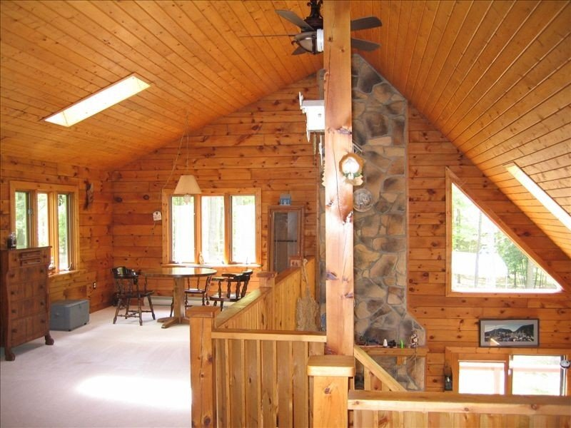 Drooly Bear Cabin: Your Raystown Lake Getaway!, holiday rental in Saxton