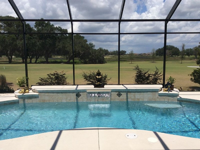 3/2.5 Golf Front Home and Solar Heat Pool!  Awesome View, FREE  golf cart, wif, location de vacances à Wildwood