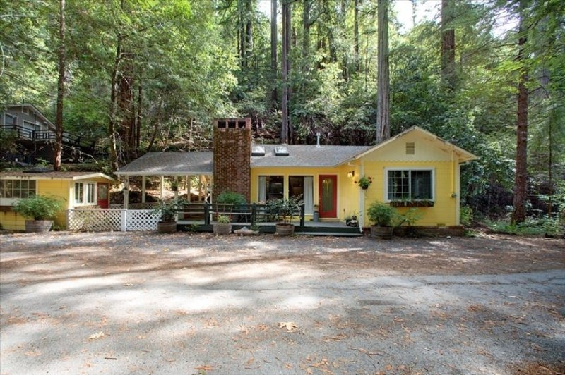 Gold Medal Bakery on Site - Ecogreen Certified - Creek Access, vacation rental in Cazadero