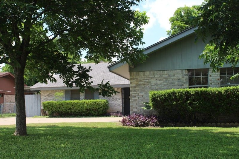 2 Bedroom, 1 Bathroom Duplex Located In Central  Austin, holiday rental in Webberville