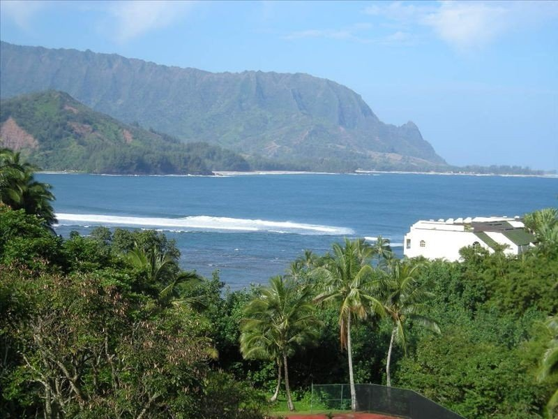 Stunning Ocean/Bali Hai Views; Full Kitchen and Jacuzzi Tub!, vacation rental in Princeville