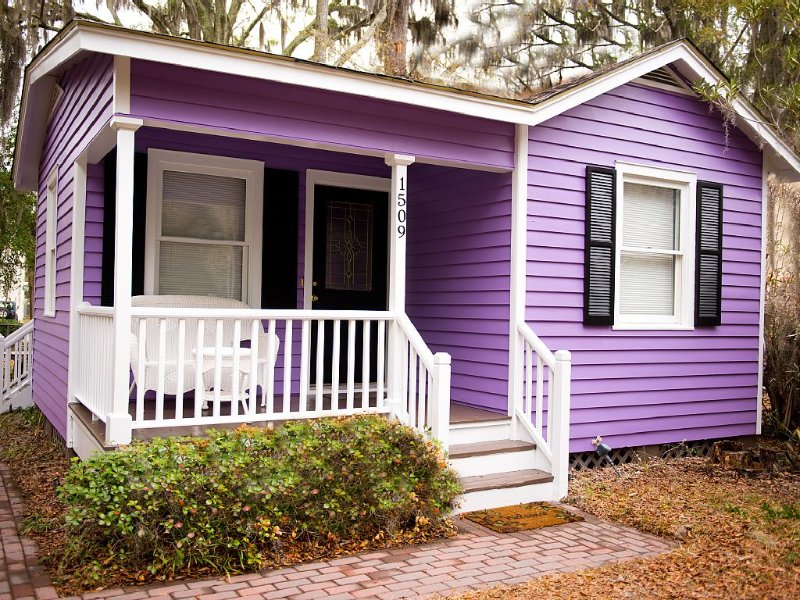 MARCH SPECIAL- $99 per night RENOVATED & SUPER CLEAN - 10 min walk to downtown, vacation rental in Lady's Island