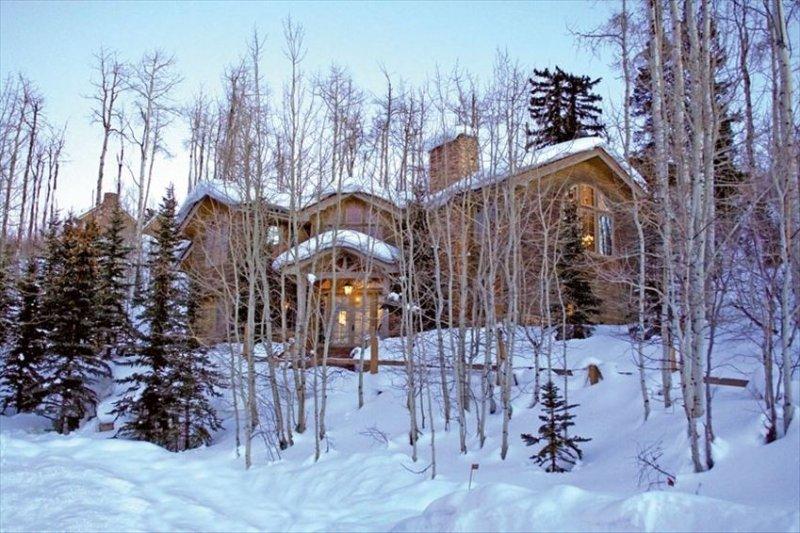 Luxurious Ski House on the Mountain 324 Deer Ridge Lane Snowmass Village, vacation rental in Snowmass Village