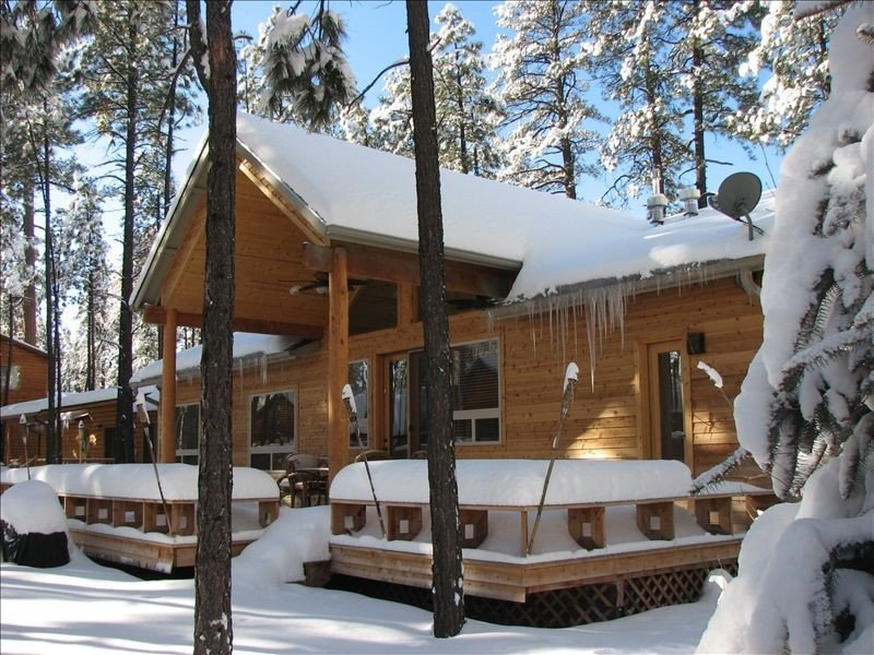 LUXURY KNOTTY PINE CABIN IN THE PINETOP LAKES C.C., location de vacances à Pinetop-Lakeside