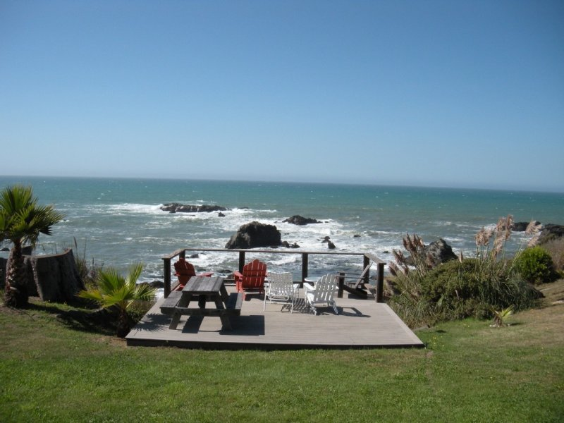 Ocean-front Cottage With Magnificent Whitewater Views, alquiler vacacional en Westport