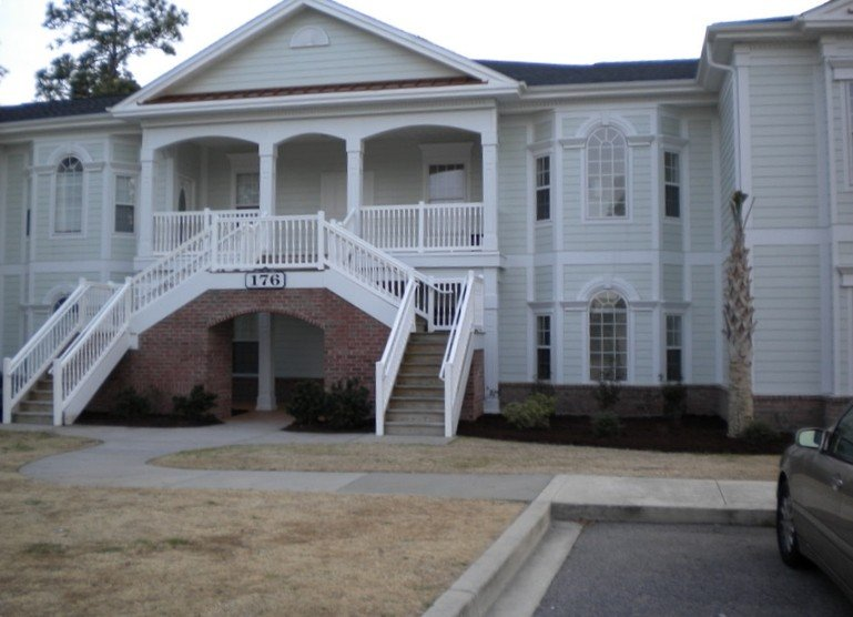 Prof Dsgnd 4BR Spacious Litchfield Beach Pawleys Island- Less than Market Rates, aluguéis de temporada em Litchfield Beach