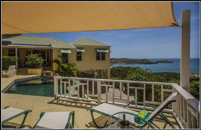 Alagana House | 3 Br Luxury, 270 Degree Harbour Views, holiday rental in Antigua