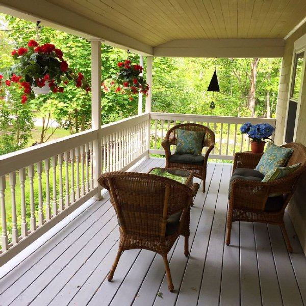 Water Access Cottage with Kayaks/Rowboats to explore islands & fishing harbor, vacation rental in Kennebunkport