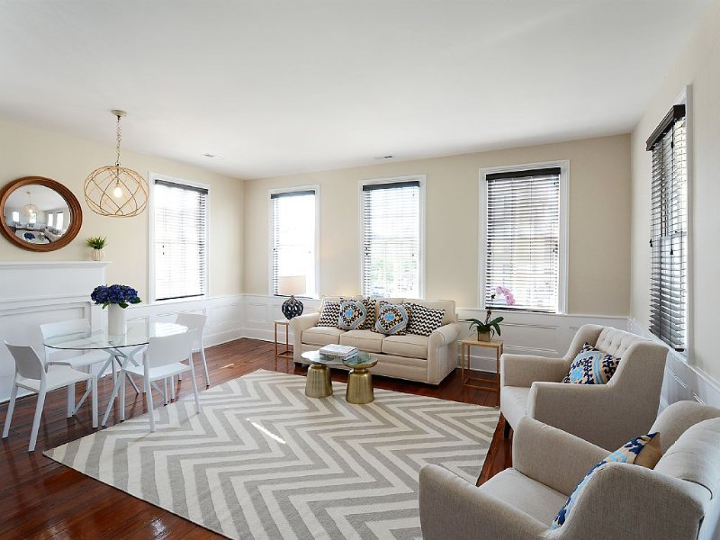 Spacious Charleston Home for Vacation- 2 Blocks to King Street, vacation rental in Charleston