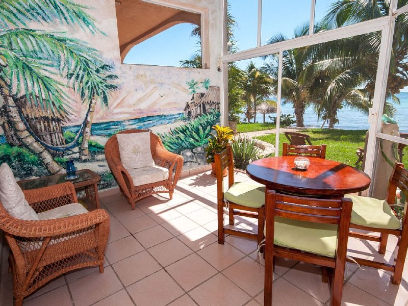Beachfront 2 BR with modern amenities and Mexican charm, vacation rental in Akumal